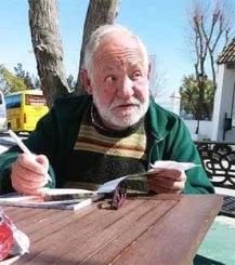 La foto está sacada en Vejer de la Frontera, unos días antes de su fallecimiento, la última vez que estuve con él.